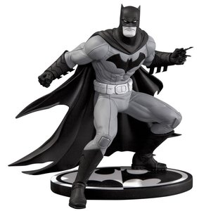 DC Collectibles Batman B&W Greg Capullo Statue