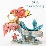 Disney Traditions - De kleine zeemeermin beeld - Ariel op rots_
